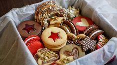 Коробка Печенья 🎁 12 Видов ПЕЧЕНЬЯ 🍪 из одного теста! No Bake Cookies, Yummy Cookies, Holiday Cookies, Holiday Treats, Shortbread Biscuits, Biscuit Cookies, Holiday Baking, Christmas Baking, Cookie Recipes