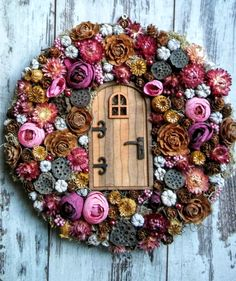 The Effective Pictures We Offer You About DIY Wreath burlap A quality picture can tell you many things. You can find the most beautiful pictures that can be presented to you about DIY Wreath spring in Diy Spring Wreath, Fall Wreaths, Diy Wreath, Burlap Wreath, Pine Cone Art, Diy Garland, Christmas Sewing, Bead Art, Handmade Crafts