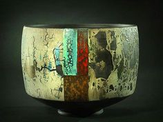 Tony Laverick is a ceramicist who currently is working with a transparent porcelain and also a specially prepared black porcelain. Ceramic Clay, Ceramic Bowls, Stoneware, Cerámica Ideas, Keramik Design, Keramik Vase, Pottery Bowls, Pottery Ideas, Ceramic Pottery