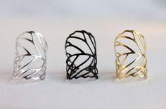 Delicato anello foglia oro argento nero foglia di MakiYDesign