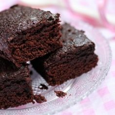 Do you know what to do to make the best brownies without pounds of butter and chocolate? Check out this easy trick!