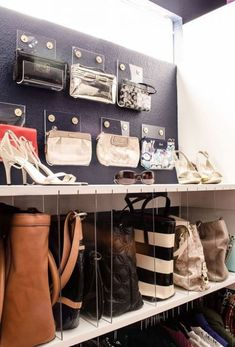 Keep your bag collection looking *pristine* with clear dividers. 15 Dollar Store Closet Hacks If You Have Way Too Much Shit Diy Purse Organizer, Handbag Storage, Purse Organization, Organizing Bags, Organizing Purses In Closet, Purse Holder, Diy Purse Display, Organizing Wardrobe, Organize Purses