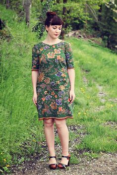 Laurel dress by Paunnet, via Flickr