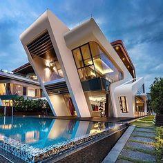 Luxury Modern Villa in Singapore TAG: #luxurylife#thinklikeabillionaire#luxurylifestyle#lifestyle#luxurystyle#luxury#luxe#luxurious#luxuriouslife#millionairelifestyle#millionaire#millionaires#billionaire#richman#rich#theboss#boss#bosslifestyle#money#dollar#vip#dollars#stacks#cash#wow#stacksonstacks#follow4follow#motivation#moneyteam