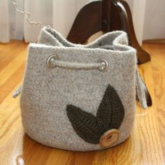 Knitting Pattern Lucy Bag : 1000+ images about Felted bags on Pinterest Felted bags, Felt bags and Knit...