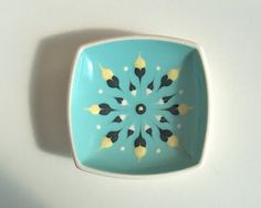 Potshots: Hornsea Pottery slip-decorated fish dish from the Antique Pottery, Slab Pottery, Vintage Baking, Retro Vintage, Vintage Kitchen, Beginner Pottery, Hornsea Pottery, Pottery Patterns, Vintage Dinnerware