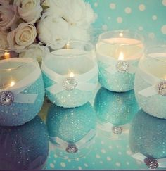 Pretty Tiffany blue candles :) for the bedroom Tiffany Blue Weddings, Tiffany Theme, Azul Tiffany, Tiffany Wedding, Candle Wedding Centerpieces, Wedding Decorations, Centerpiece Flowers, Tiffany Blue Decorations, Table Decorations