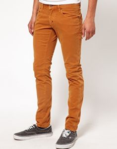 These skinny jeans by Antony Morato have been constructed in dyed denim. They come in a skinny fit. The details include: classic five pocket styling, standard hem and plain lap seam. These skinny jeans by Antony Morato have been styled with plimsolls.