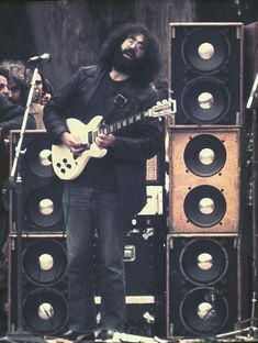 Jerry Garcia, The Grateful Dead.