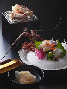霜月 伊勢海老と蟹の贅沢懐石 Japanese Dishes, Japanese Food, Wine Recipes, Asian Recipes, Cute Food, Good Food, Sashimi Sushi, Sushi Love, New Year's Food