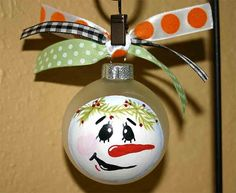Christmas craft would be fun to paint with the kids.