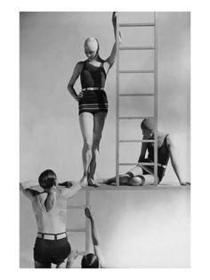 Models Wearing Bathing Suits (by lucien Lelong) Photograph by George Hoyningen-Huene / Vogue July 1929 Martin Munkacsi, Retro Mode, Vintage Mode, Lucien Lelong, Bathing Costumes, Swimwear Model, Swimwear Fashion, Elsa Schiaparelli, Vintage Swimsuits