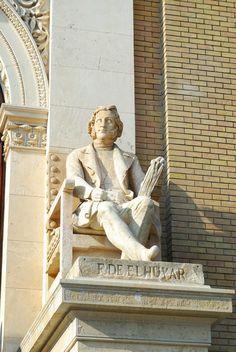 Efe22 - Escultura F. De Elhuyar- Paraninfo, Facultades de Medicina y Ciencias de Zaragoza