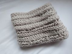 Trends With Benefits: No Needles Knitting: DIY Snood