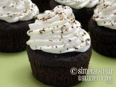 chocolate-cupcakes-and-mascarpone-frosting