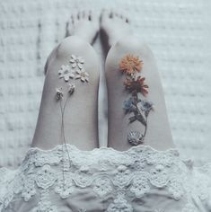 flowers on thighs