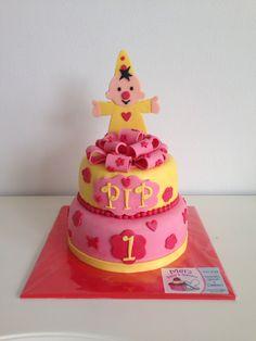 Girl Cakes, Fondant, Cake Decorating, Birthdays, Birthday Cake, Sweets, Creative, Desserts, Kids