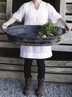 Creative Co-Op Oval Metal Tray with Handles and Distressed Black Finish Farm Farmhouse Decor [Ad] Antique Farmhouse, Farmhouse Style, Farmhouse Decor, Urban Farmhouse, Coastal Farmhouse, Cottage Farmhouse, Farmhouse Interior, Industrial Farmhouse, Farmhouse Furniture