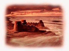Alcuni motivi per cui riteniamo che le ADI siano costruite sulla sabbia - LA STRUTTURA ORGANIZZATIVA PIRAMIDALE La prima cosa che si deve considerare e che salta maggiormente all'occhio è la strut...