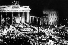 marks the anniversary of Hitler's rise to power in Germany. Correspondence from foreign diplomats in Berlin at the time reveals just how much they underestimated the dangers of the Nazi Party. Kurt Von Schleicher, Kaiser Wilhelm, Brandenburg Gate, Rare Images, The Third Reich, Historical Pictures, Berlin, Germany, Historia
