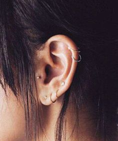 I want this for my right ear but with a conch and only studs