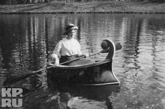 Maria boating in the lake of the Alexander Palace Park, 1916