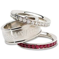Detroit Red Wings Ladies Spirit Crystal Stacked Ring Set!