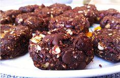 Raw Trail-Mix Cookies