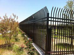 Bezpieczny system ogrodzeniowy Betafence