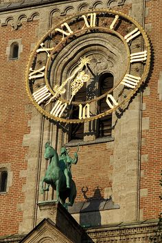 Places To Travel, Places To See, Munich Germany, Rhone, Kirchen, Germany Travel, Historical Sites, Beautiful Places, Scenery