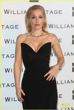 The stunning Gillian Anderson in @WilliamVintage Azzaro at The WilliamVintage Dinner 2014