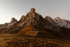 Lovely Alpenglow in the Italian Dolomites. Adventure Couple, Adventure Photos, South Tyrol, Northern Italy, Couple Shoot, Photo Sessions, Monument Valley, Mountains, Couples