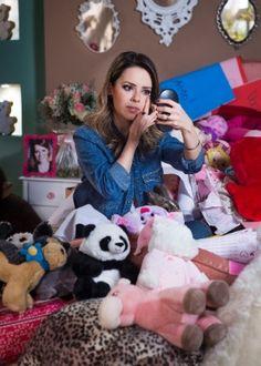 """Sandy explica como se vira com carinho e presentes dos fãs no """"Tá no Ar"""""""