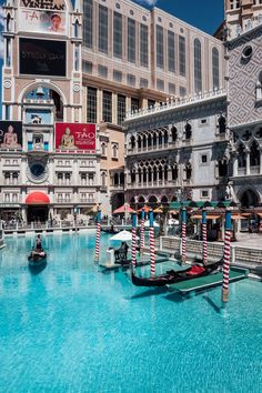 The VivaLuxury | Weekend in Vegas