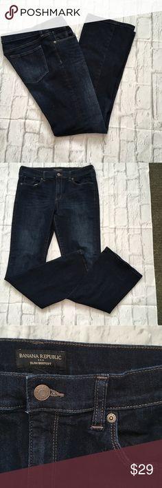 NWOT Banana Republic Dark Wash Slim Bootcut Jeans Brand new. Waist 15 Rise 9.5 Length 31.5. 70% cotton 28% poly 2% spandex.   30/10 reg. Banana Republic Jeans Boot Cut