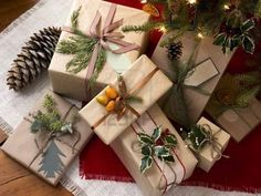 Love the idea of using natural elements on gift packages.