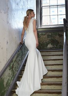 066f7fd23b6 Sassi Holford 2018 Collection – Tamara. A beautiful fishtail gown with  extra long train and