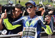 Valentino Rossi partirà in pole all'autodromo del Mugello nella 6a prova di MotoGP 2016. Orari diretta tv e live streaming gratis del Gran Premio d'Italia.