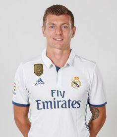 Web Oficial con la ficha detallada de Toni Kroos, centrocampista del Real Madrid, con su estadísticas y las mejores fotos, vídeos y noticias.