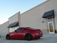Red Nissan 350z