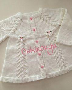 Annelerin Gözdesi 28+ Bebek Yelek Hırka Patik Bere Atkı Örgü Modeli Embroidery On Kurtis, Kurti Embroidery Design, Crochet For Kids, Crochet Baby, Knit Crochet, Baby Cardigan Knitting Pattern, Baby Knitting Patterns, Baby Girl Sweaters, Bebe Baby