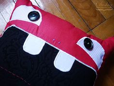 screaming #monster #pillow by #dushky (detail)