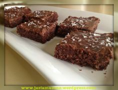 Chocolate Weetbix Slice - made this low fodmap by using gluten free flour mix and gluten free weetbix! A really easy and delicious slice. Chocolate Weetbix Slice, Chocolate Oats, Chocolate Truffles, Chocolate Recipes, Baking Tins, Baking Recipes, Cake Recipes, Yummy Recipes