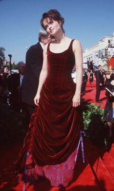 helena bonham carter, even though this is an old image, I love the hitched velvet gown.....must try making one, as I've got some great fabric.