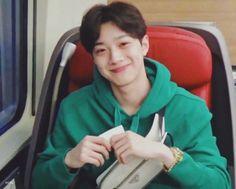 ᴇᴠᴇʀʏ ᴅᴀʏ ᴡʜᴇɴ ɪ'ᴍ ᴡɪᴛʜ ʏᴏᴜ, ɪ ꜰᴇᴇʟ ꜱʟᴏᴡʟʏ ᴇᴠᴇʀʏᴛʜɪɴɢ ᴄᴀɴ ᴄʜᴀɴɢᴇꜱ. Dramas, Taiwan, Rapper, All About Kpop, Guan Lin, Lai Guanlin, Cute Korean Boys, First Love, My Love