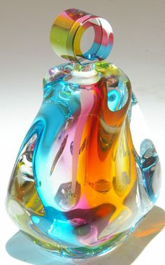 Art Glass from Kela's.a glass gallery on Kauai perfume bottle. I've always loved glass art Cristal Art, Glas Art, Art Of Glass, Antique Perfume Bottles, Vintage Bottles, Beautiful Perfume, Fragrance Parfum, Glass Ceramic, Ceramic Art