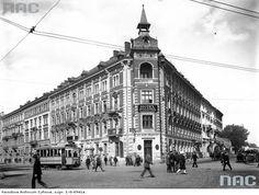 Kliknij, aby powiekszyc Krakow, Beautiful Buildings, Old Photos, Louvre, Street View, Black And White, Retro, City, Travel