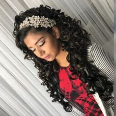 Quinceanera Hairstyles Enchanting 20 Absolutely Stunning Quinceanera Hairstyles With Crown  Pinterest