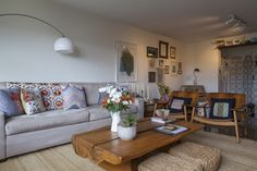 Open house - Mia Athayde. Veja: http://casadevalentina.com.br/blog/detalhes/open-house--mia-athayde-2907  #decor #decoracao #interior #design #casa #home #house #idea #ideia #detalhes #details #openhouse #style #estilo #casadevalentina #livingroom #saladeestar