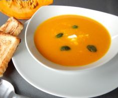 Dýňová polévka zHokaido Cheeseburger Chowder, Thai Red Curry, Soups, Ethnic Recipes, Food, Essen, Soup, Meals, Yemek